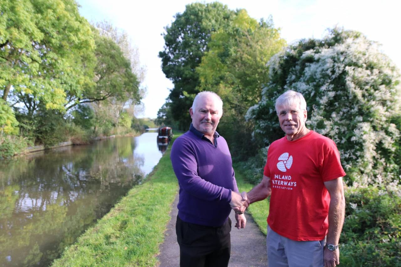 L-to-R---Cllr-James-Stanley-with-Box-Fox-from-the-Inland-Waterways-Association