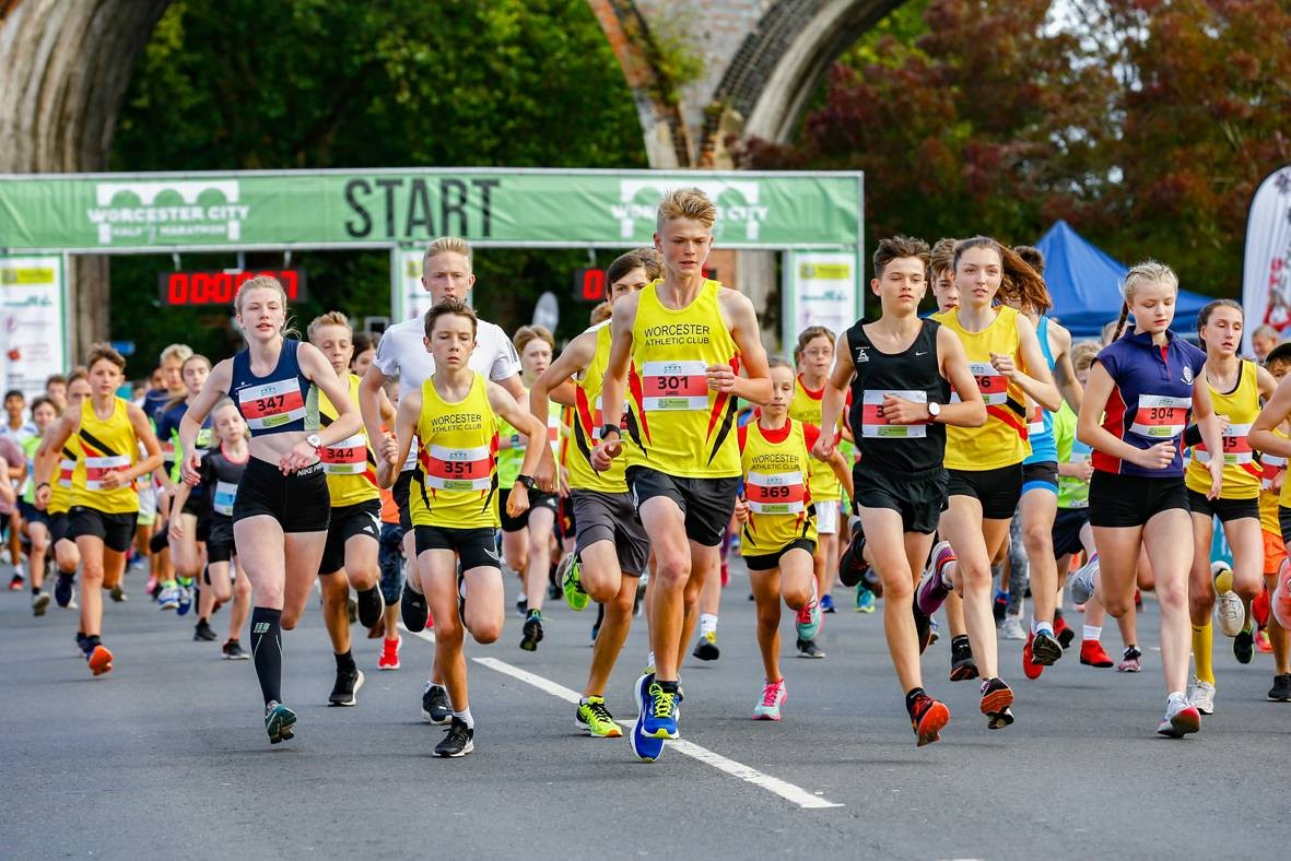 The-start-of-the-2019-Air-Products-Young-Athletes-Run---photo-by-Wildman-Media