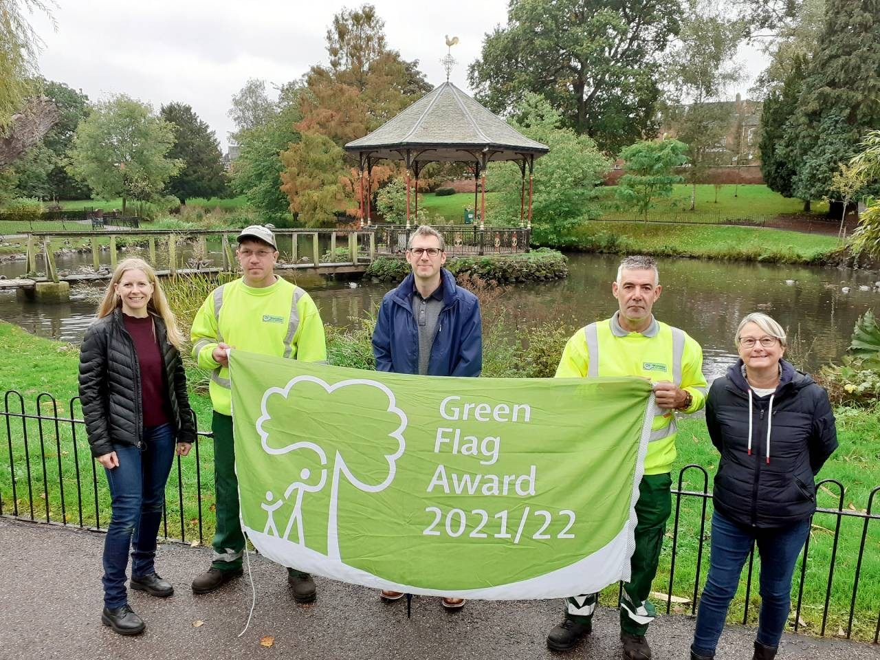 Cllr-Andy-Stafford-centre-with-Gheluvelt-Park-keepers-Matthew-Hughes-L-and-Neil-Bushell-R-with-Friends-of-Ghelulvelt-Park-members-Cllr-Karen-Lewing-L-and-Stephanie-Allen