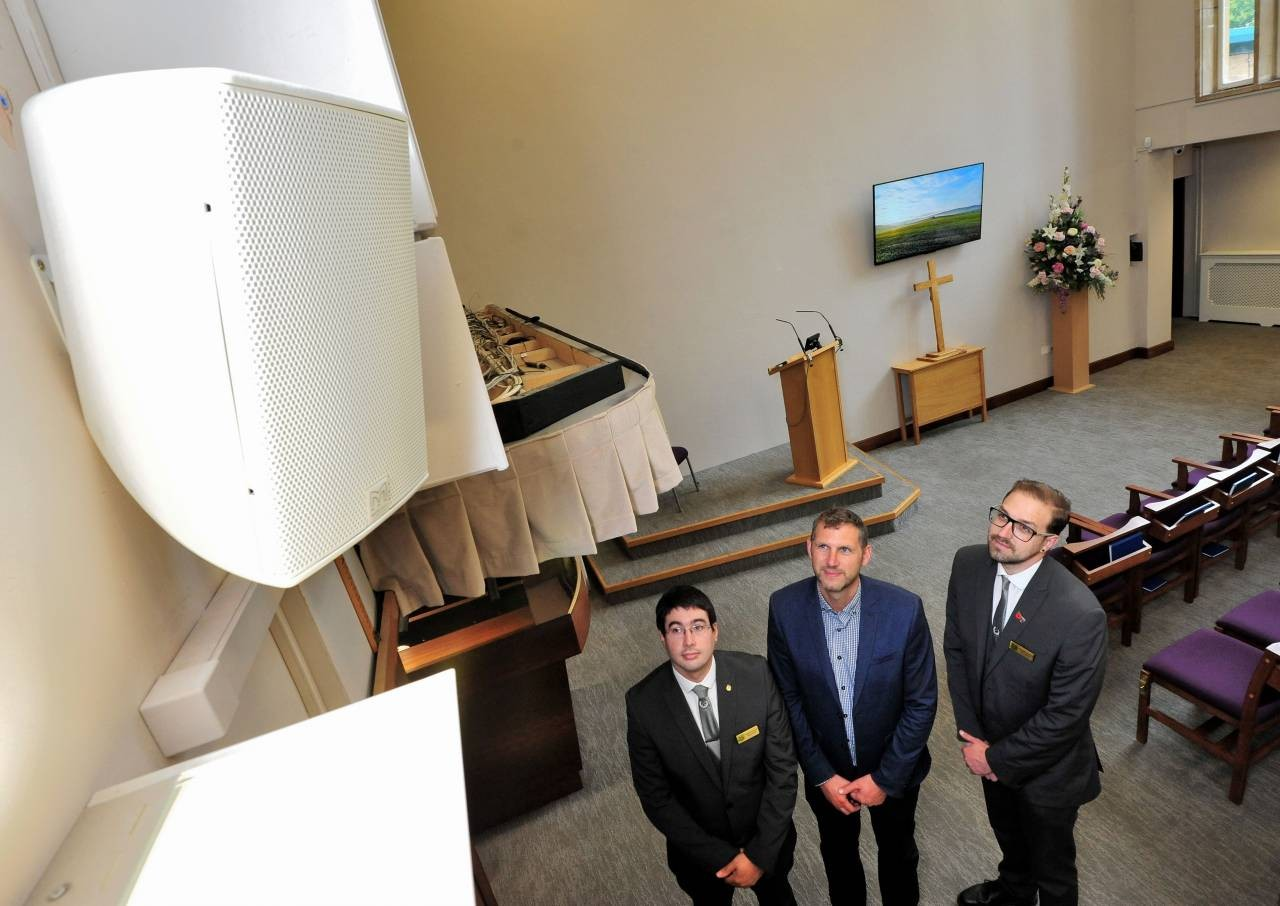 L-and-R---Wayne-McNamee-and-Jonathon-Foxall-staff-at-Worcester-Crematorium-with-centre-Cllr-Andy-Stafford.JPG