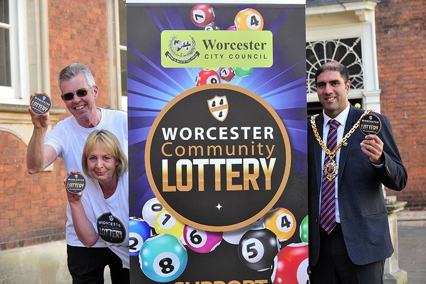 The Mayor launches Worcester Community Lottery with Graham Heath of Worcester Wheels and Helen Simmons of Crossroads Caring for Carers